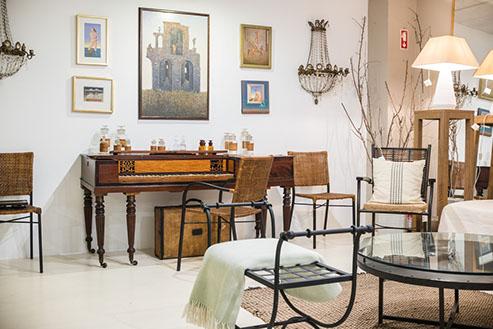 al4uatro shop furniture